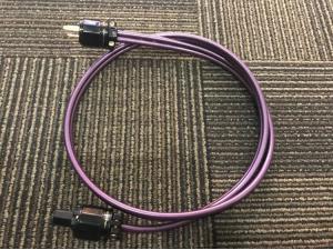 美国 Wireworld线世界 AURGRA SERIES III 电源线 1.5米