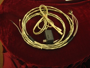 美国 第一线 ALPHA 喇叭线 2.5米