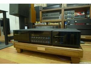 英国之宝200(Meridian) 200纯转盘+203DAC 转盘解码