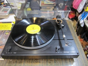 horens多能士TD320MKII黑胶唱机