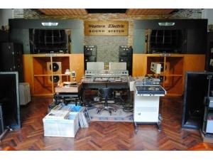 本人玩的LP其中一款EMT-139顶级唱放