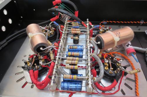 胆机由英国元件西电线路制作