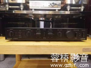 傲立 Audiolab 8000A