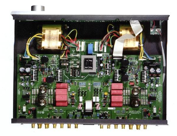 cary通过采用优质组件和复杂的电路以提高功放的开环特性,从而减小对
