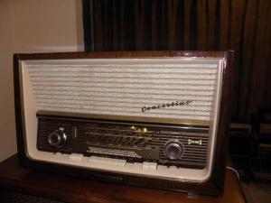 德律风根2093古董胆收音机FM-AM成色新(已售出)