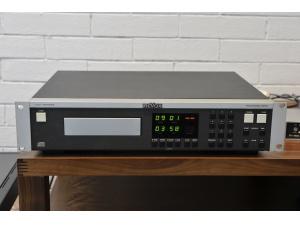 ROVOX瑞华士电台用C221CD机(已售出)