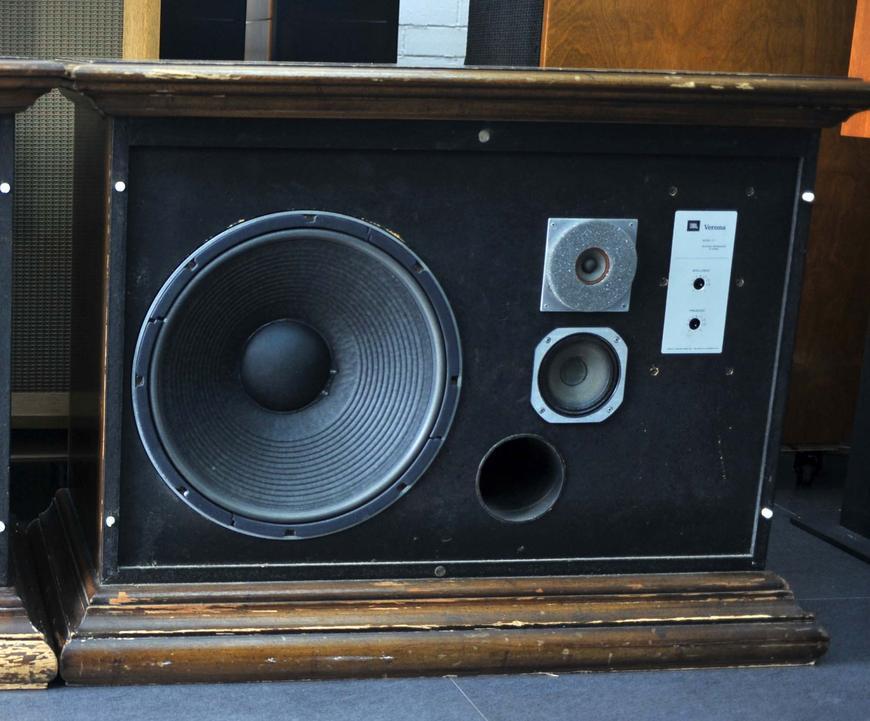 音箱二分频电路图 音箱二分频电路图