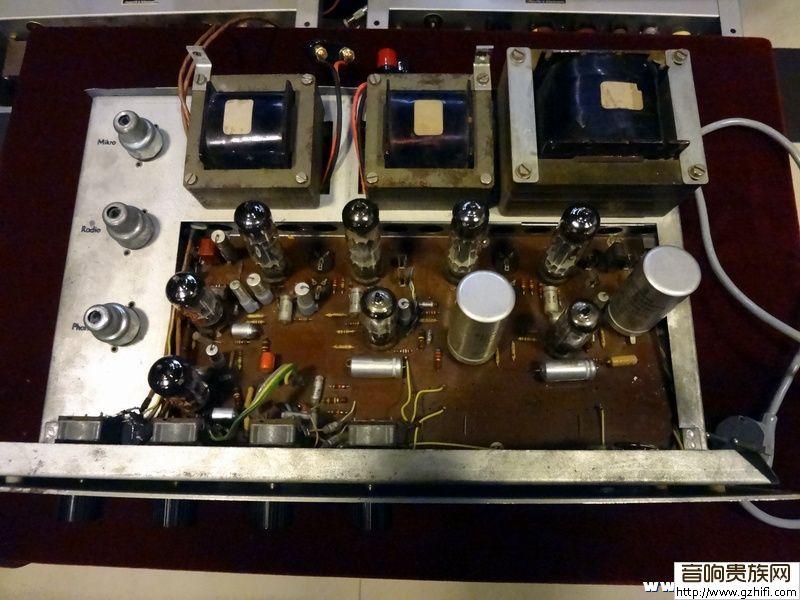 支12ax7作前置放大,2支ecf80作推动