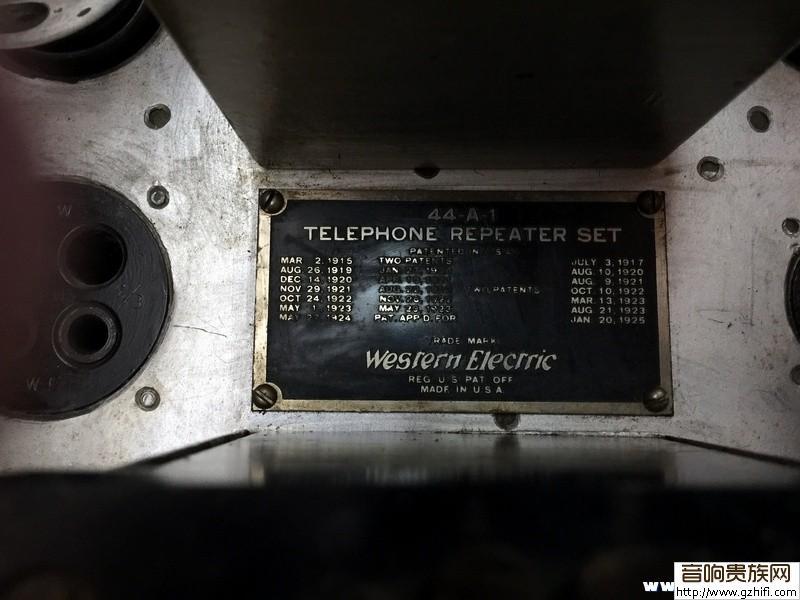 给朋友看一台西电双声道波胆前级—44a