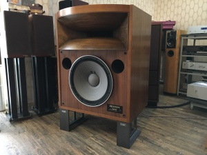 一代经典名箱TAD 2402 16寸低音单元